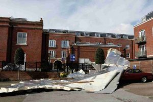 storm-katie-rips-off-roofs-of-posh-pads-in-gosport