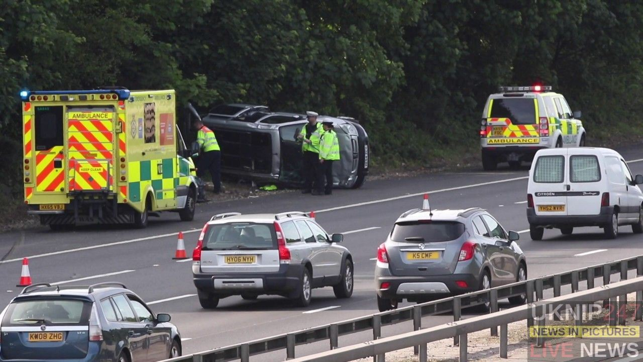 Family  Escape Serious Injury After People Carrier Rolls Over On The M27 Southampton