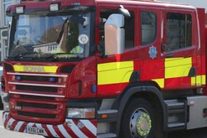 fire-crews-tackle-greenhouse-fire-in-wooton