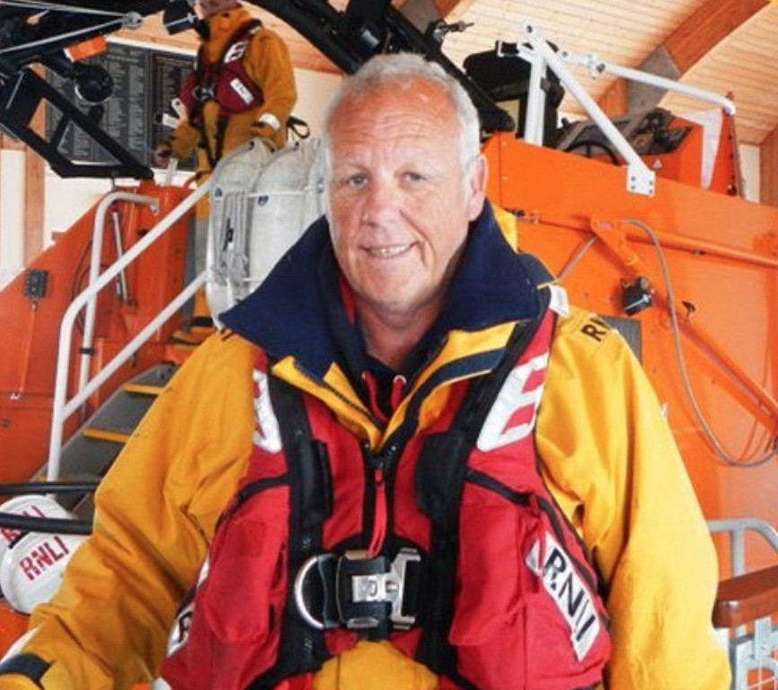 fond farewell to bembridge coxswain stevesimmonds retired as the coxswain at bembridge rnli