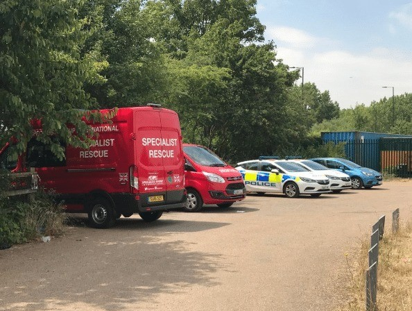 major search launched after man jumps in jubilee river in slough