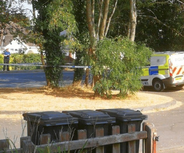 police man hunt for two rape suspects following late night attack in hedge end southampton 3