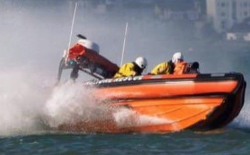 drifting boat intercepted by ryde rescue