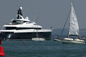 super-rich-travelex-business-man-moors-up-floating-palace-at-the-entrance-to-cowes