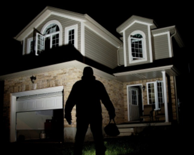 ten homes in southampton have been burgled over the weekend