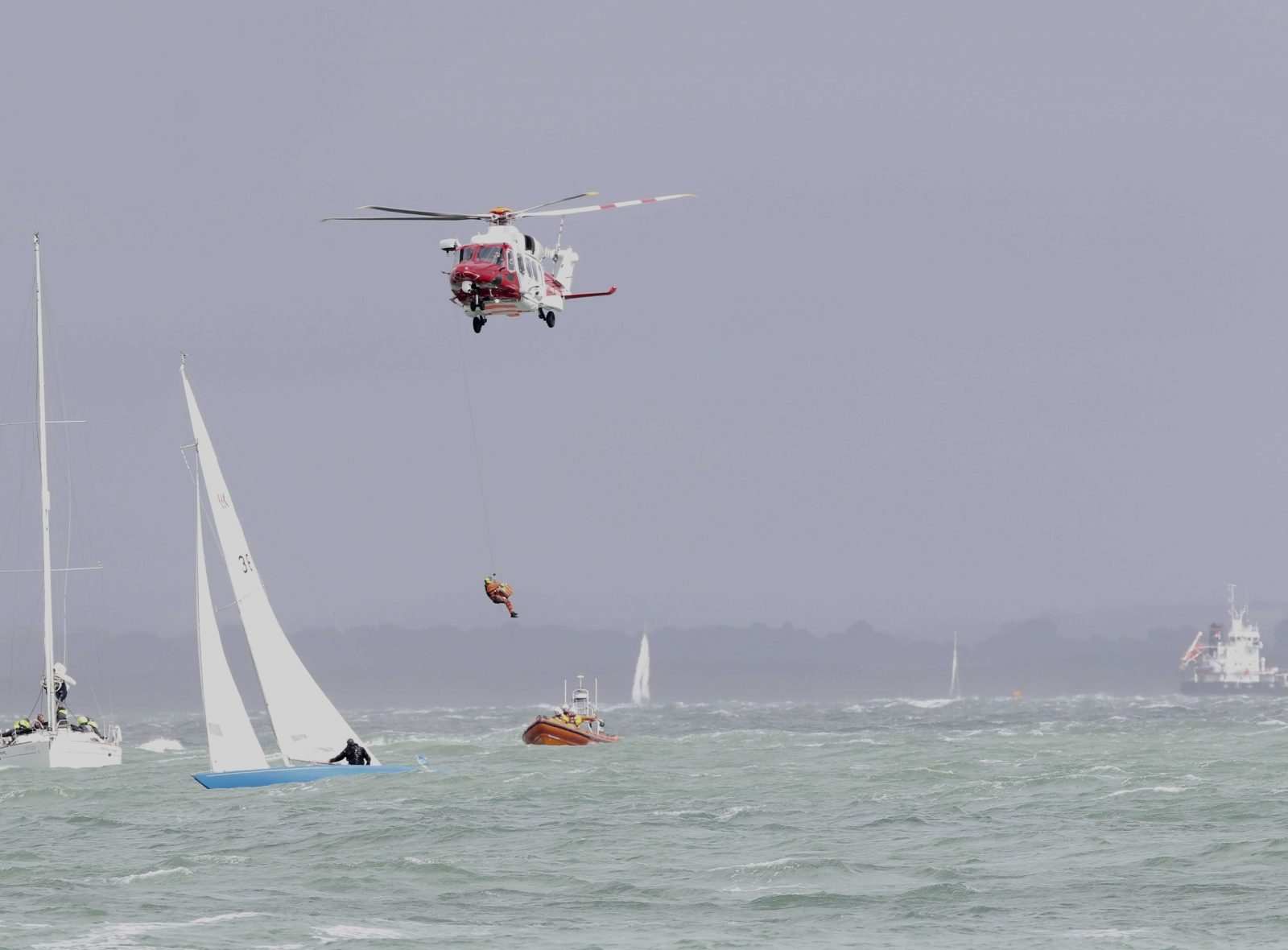 cowes-week-sailor-rushed-to-hospital-after-falling-overboard