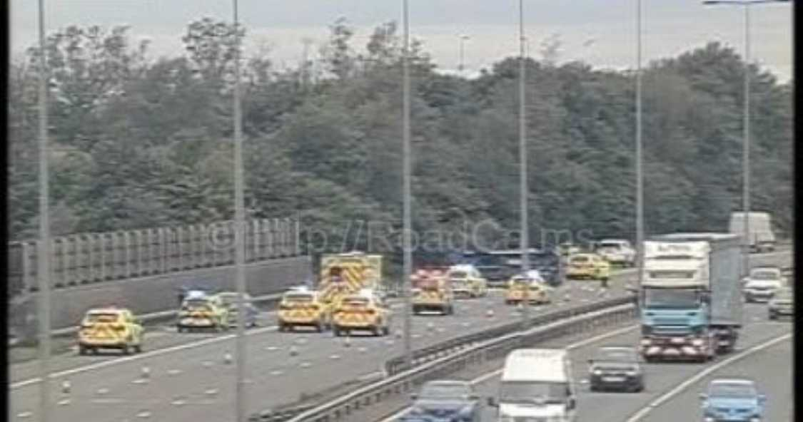 m60-motorway-closed-following-multi-vehicle-collision