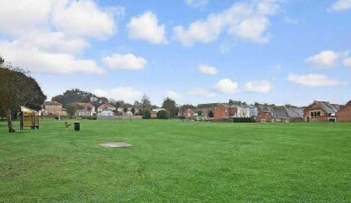 police-probe-launched-after-man-in-pyjamas-assaults-teenage-boy-in-east-cowes-park
