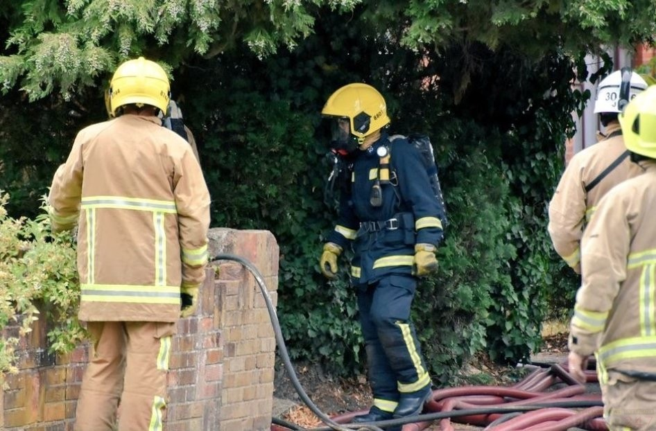 Blaze Rips Through Block Of Flats In Farnbrough