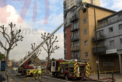 lucky escape for woman and child after blaze break out in fulham flat